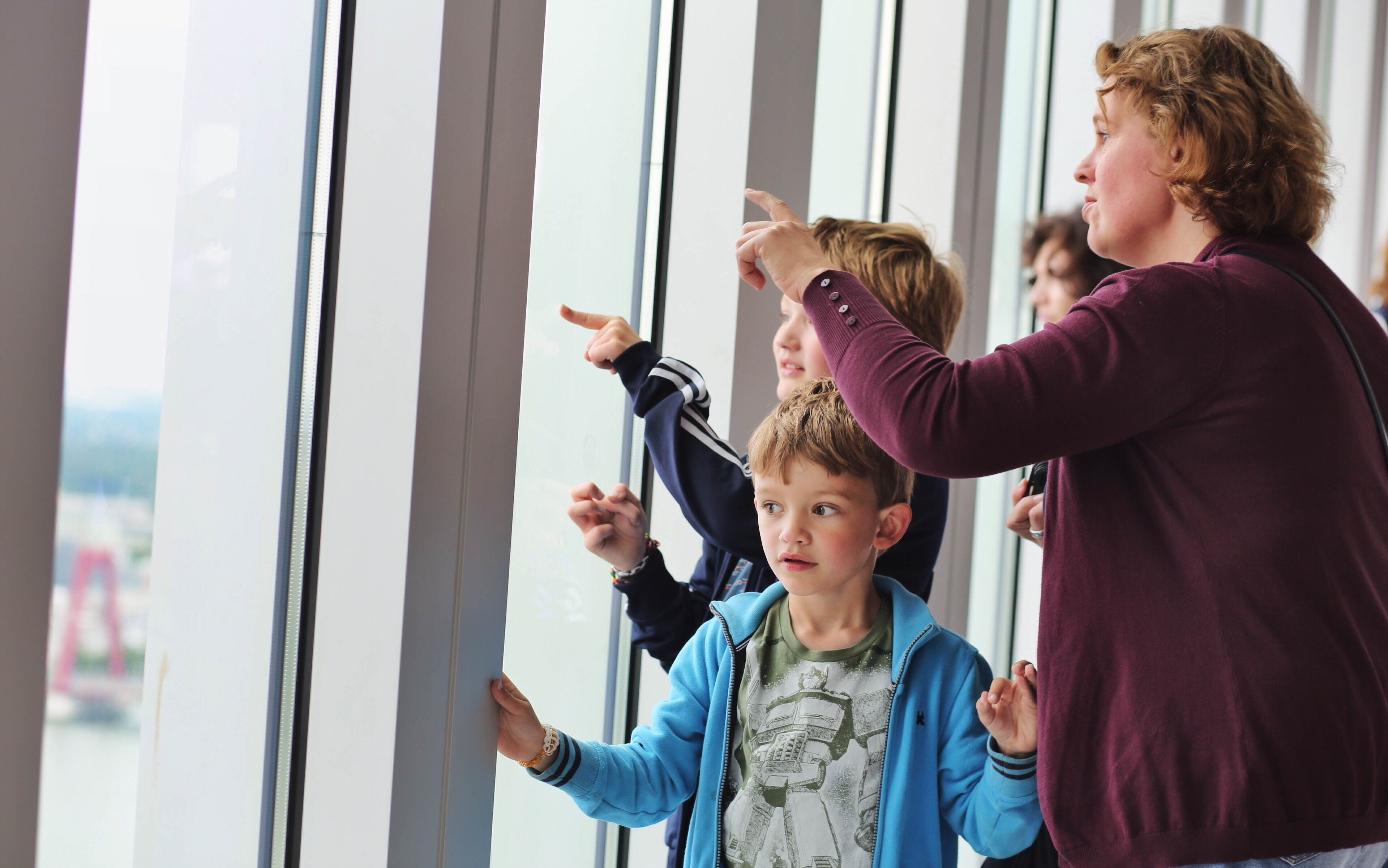 Rotterdam offici le opening van de luchtsingel for Fred rotterdam